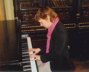 Act card istanbul piano photo